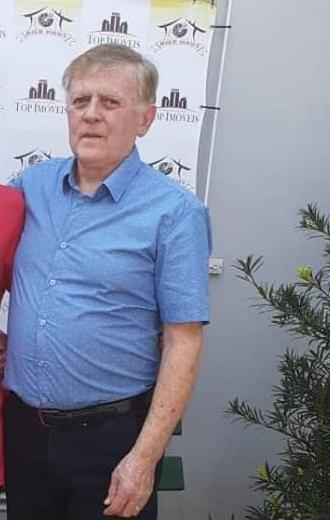 Genésio Schweigert, de 71 anos, foi o primeiro morador de Guabiruba a morrer devido a Covid-19. O idoso sofria de diabetes. Ele estava internado em UTI do Hospital Azambuja, em Brusque, desde o dia 29 de abril, quando testou positivo a Covid-19. Na manhã do dia 11 de maio ele não resistiu. A Secretaria de Saúde ainda não sabe como ocorreu o contágio. Confira a reportagem completa: https://bit.ly/2Lg56X4 - Reprodução Redes Sociais/ND