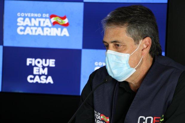Secretário de Estado da Saúde, André Motta Ribeiro, fala em coletiva de imprensa
