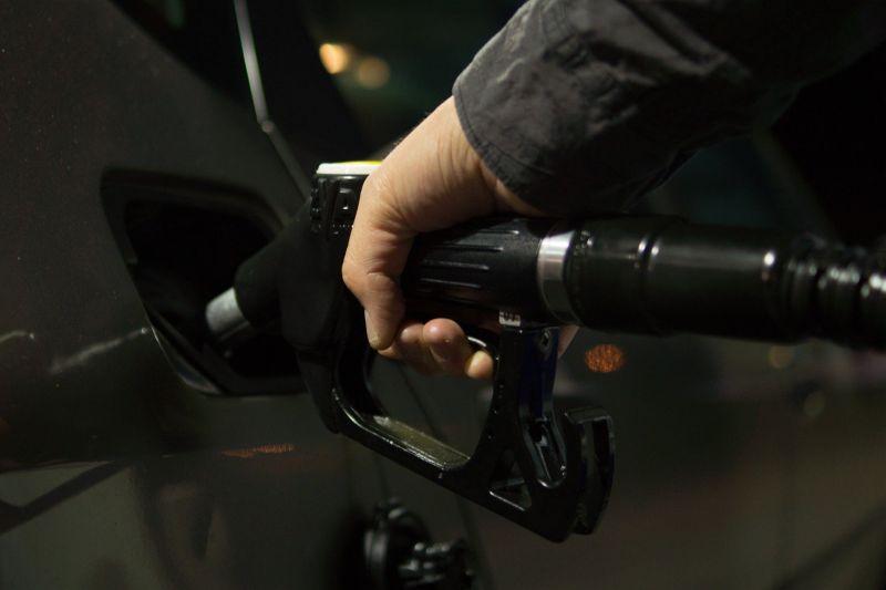 Com terceiro recuo seguido, gasolina apresenta o menor preço médio desde 2017 - Pixabay