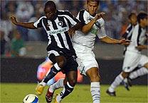 23/05/2007: O Figueirense perde para o Botafogo por 3 a 1 no Maracanã, mas avança à final da Copa do Brasil após ter vencido o rival por 2 a 0, em Florianópolis, na partida de ida. - Fotocom/Reprodução