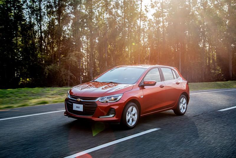 1º- Chevrolet Onix: 3.296 unidades - Foto: Divulgação/Chevrolet/Garagem 360/ND