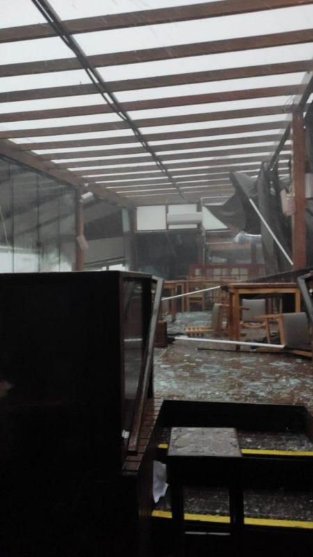 Santo Antônio de Lisboa, em Florianópolis, também contabilizou grandes estragos - Divulgação/ND