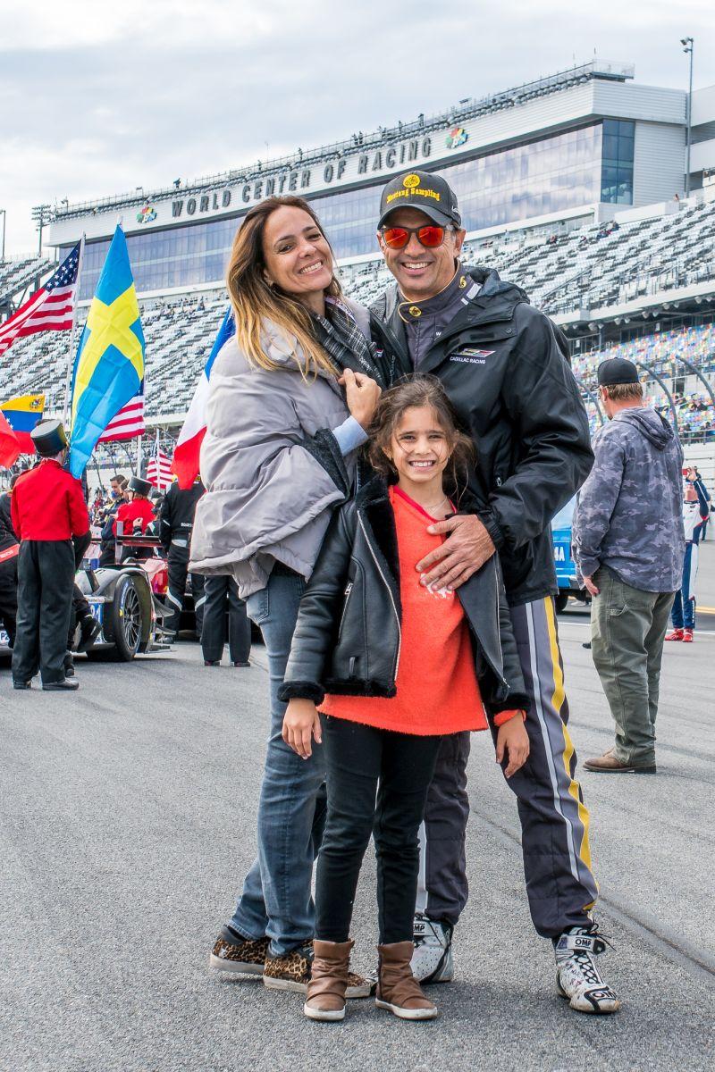 Christian e sua família durante as 24h de Daytona de 2019 - Foto: Divulgação/José Mário Dias/Garagem 360/ND