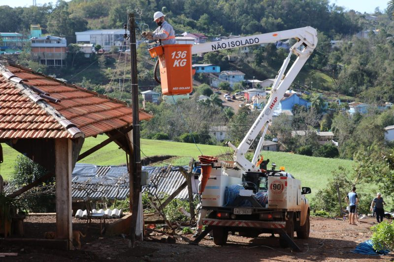 This Friday, Moses announced the development of a Support Plan for the affected municipalities. Until Sunday (14), material for the reconstruction of the destroyed roofs should arrive in the region - Flavio Vieira Junior / Civil Defense of Santa Catarina / Press Release / ND