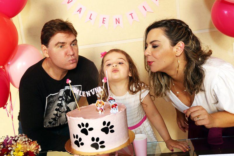 Paulo Tubelis e Lidiane Amaral festejando os quatro anos da filha, Valentina – Foto: Darline Santos/Divulgação/ND