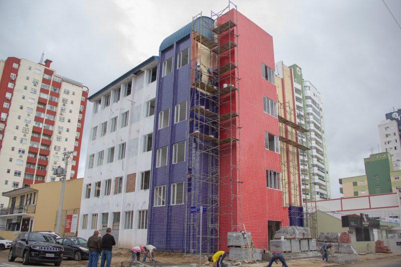 Obras no prédio que abriga a Policlínica e a UBS Campinas devem ser entregues até setembro deste ano – PMSJ/Divulgação/ND