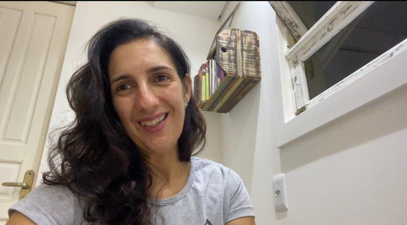 Professora Claudia Natividade ficou orgulhosa com as produções – Foto: Divulgação/PMF