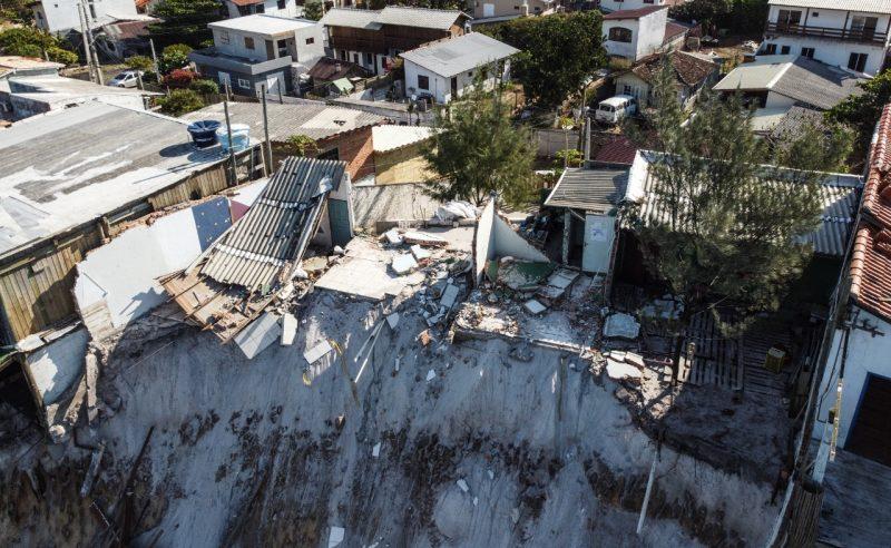 Por conta do perigo, quatro residências foram interditadas pela Defesa Civil da Capital - Anderson Coelho/ND