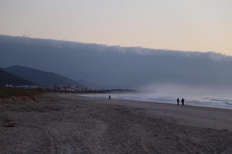 Paisagem na Praia do Campeche, em Florianópolis, na manhã desta quarta – Foto: Anderson Coelho/ND
