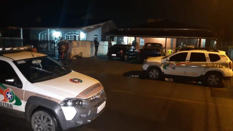 Policial é morto a tiros e duas pessoas ficam feridas em Joinville – Foto: NDTV Joinville