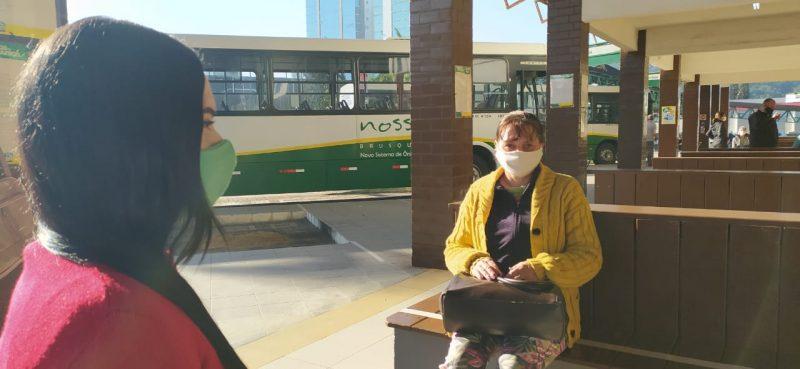Às 3h45 os ônibus voltaram a circular em Brusque. Segundo a empresa responsável pelo transporte coletivo na cidade, a operação foi retomada integralmente como antes da pandemia. - Juliane Ferreira