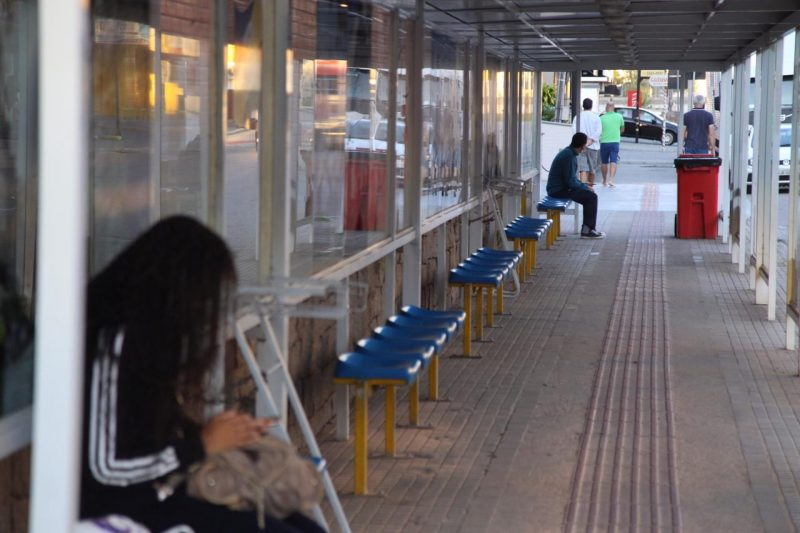 In Biguaçu, a bus stop was almost empty in the Center, during the morning of this Monday (22).  - Anderson Coelho / ND