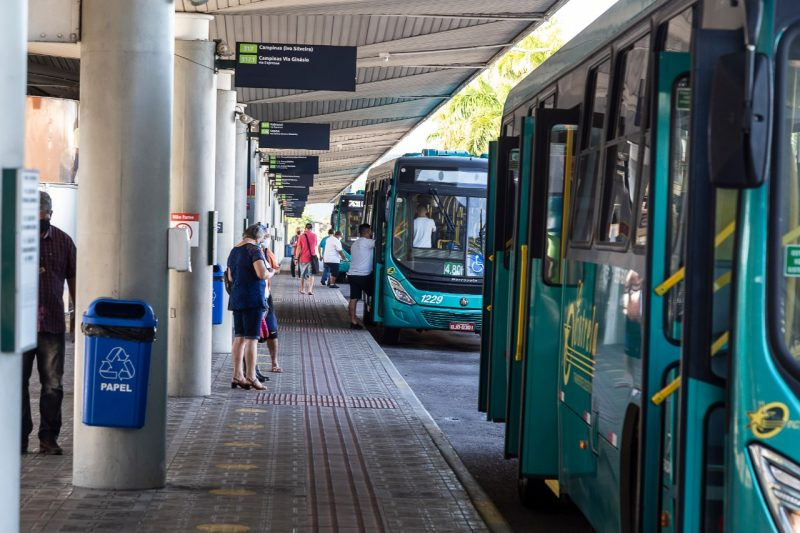 Bus companies should basically follow the same rules established for municipal transport that has been circulating in Florianópolis since last Wednesday (17).  Among them, hygiene and optional check-in on the coronavirus traceability platform in public transport.  - Anderson Coelho / ND