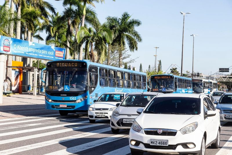 Intercity transport resumed operations in Greater Florianópolis.  With that, the intercity lines operated by the companies Biguaçu, Estrela, Santa Terezinha, Imperatriz and Jotur can return to circulate and enter the Capital.  - Anderson Coelho / ND