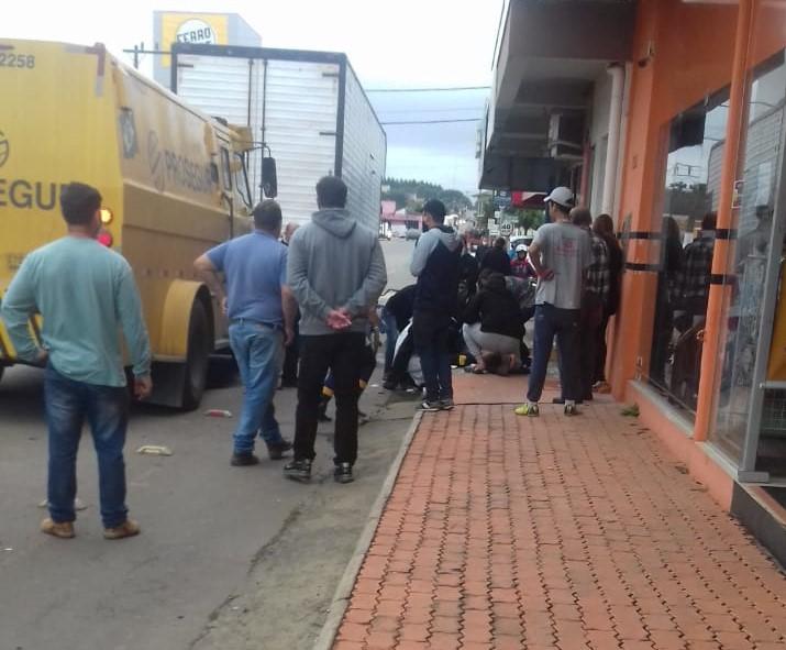 Houve troca de tiros entre os suspeitos e os seguranças do carro forte – Foto: Redes Sociais