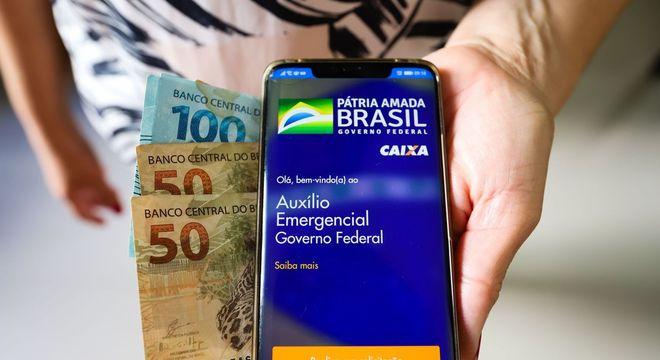 Pagamento é feito por meio do aplicativo Caixa Tem, para evitar filas em agências