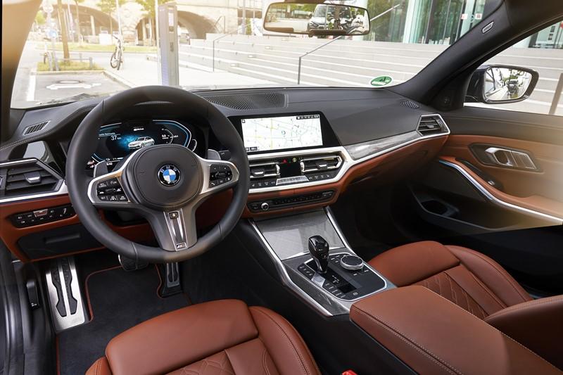 BMW 330e M Sport - Foto: Divulgação/BMW/Garagem 360/ND
