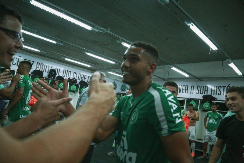 Chapecoense estende contrato com o jovem volante Vinicius Guedes – Foto: Márcio Cunha/ACF/Divulgação/ND