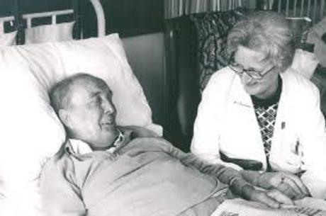 Cicely Sanders é a percursora dos cuidados paliativos – Foto: Reprodução/R7