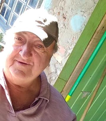 Nelson Espiller, 71 anos, morreu na madrugada do dia 15 de junho em Irani. Espiler foi diagnosticado com a Covid-19 em 27 de abril, 49 dias antes de morrer. Ele tinha obesidade, hipertensão e doença pulmonar obstrutiva crônica. Essa foi a primeira morte no município do Oeste. - Reprodução/Facebook