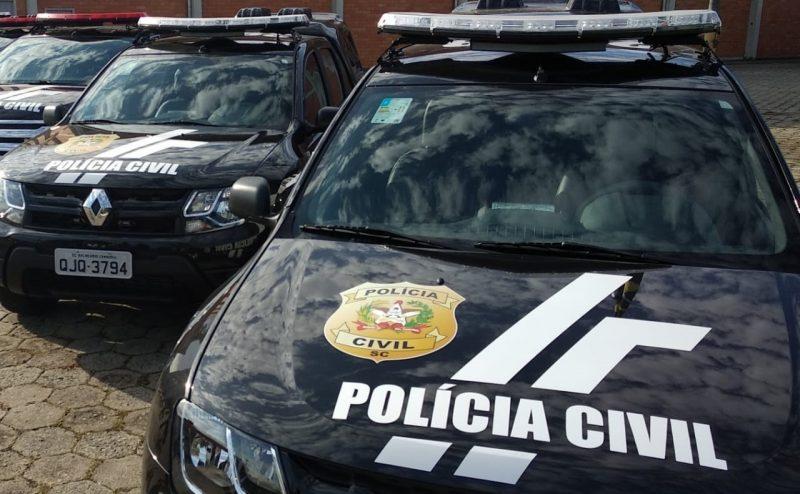 Viaturas da Polícia Civil