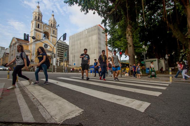 Horário de funcionamento de comércios, shopping e serviços públicos deve mudar nesta quinta-feira (11) – Foto: Flavio Tin/ND