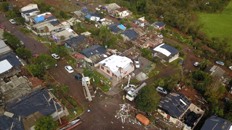 Mais de 270 casas foram atingidas pelos fortes ventos em Descanso – Foto: Defesa Civil