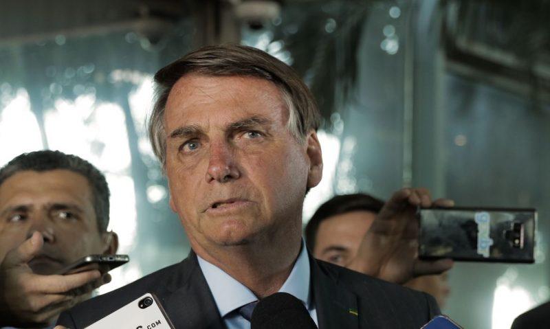 O presidente Jair Bolsonaro fala à imprensa no ministério da economia – Foto: Valter Campanato/Agência Brasil/ND