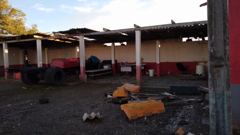 Winds hit Barra Velha Volunteer Firefighters headquarters - Social Networks