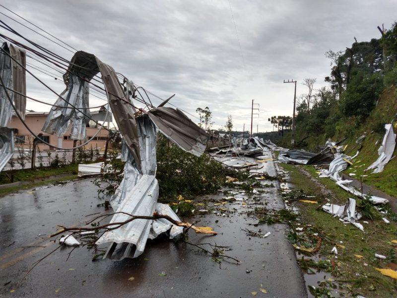 Queda de pressão estava sendo percebida no Oeste catarinense desde o início da tarde da última terça-feira (30) – Foto: Prefeitura de Chapecó/Divulgação/ND