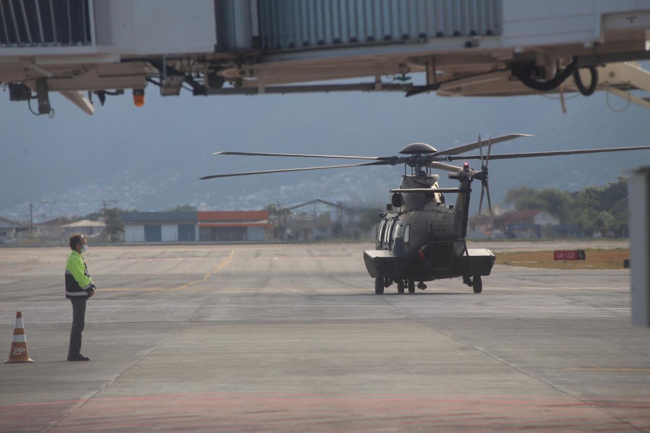 Helicóptero com o presidente sobrevoou duas cidades das mais afetadas pelos temporais - Anderson Coelho/ND