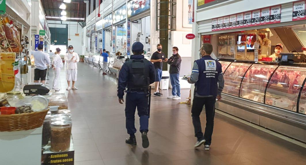 Testes para Covid-19 dão positivo para 12 funcionários do Mercado Público de Florianópolis – ND – Notícias