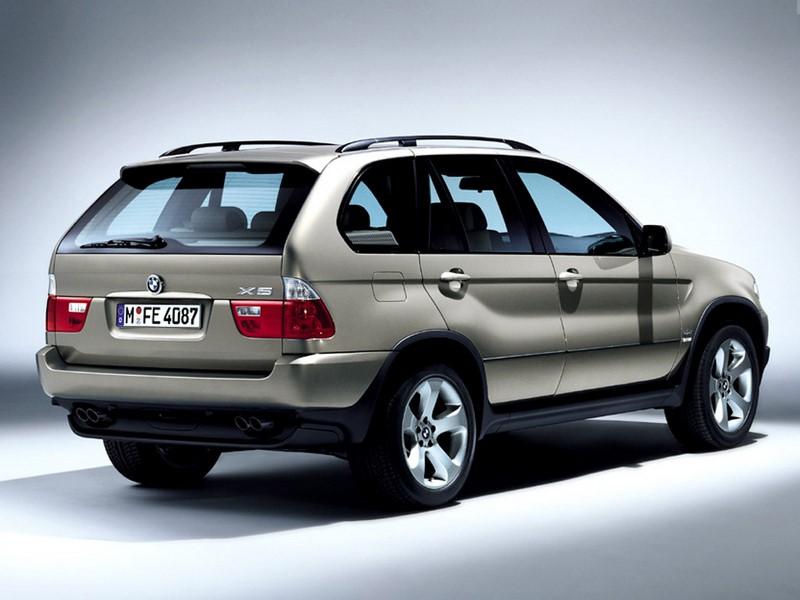 BMW X5 Sport 4.4 V8 2004/2005 - R$ 45.900 - Foto: Divulgação/BMW/Garagem 360/ND
