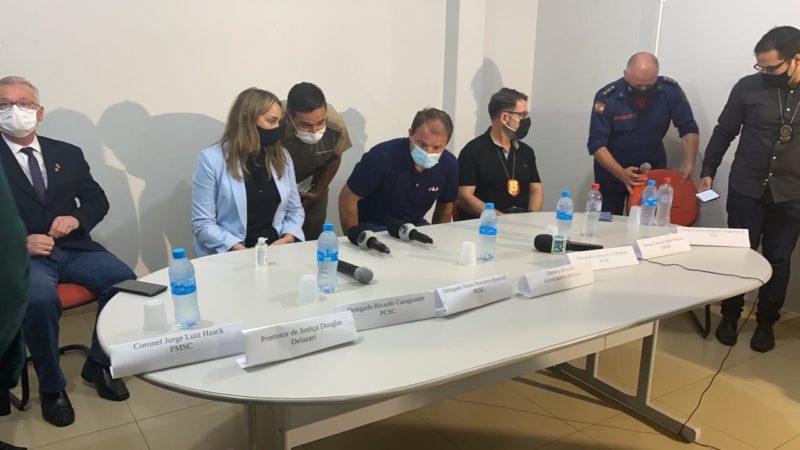 Governadora e representantes de órgãos de segurança pública em coletiva sobre chacina em Saudades – Foto: Willian Ricardo/ND
