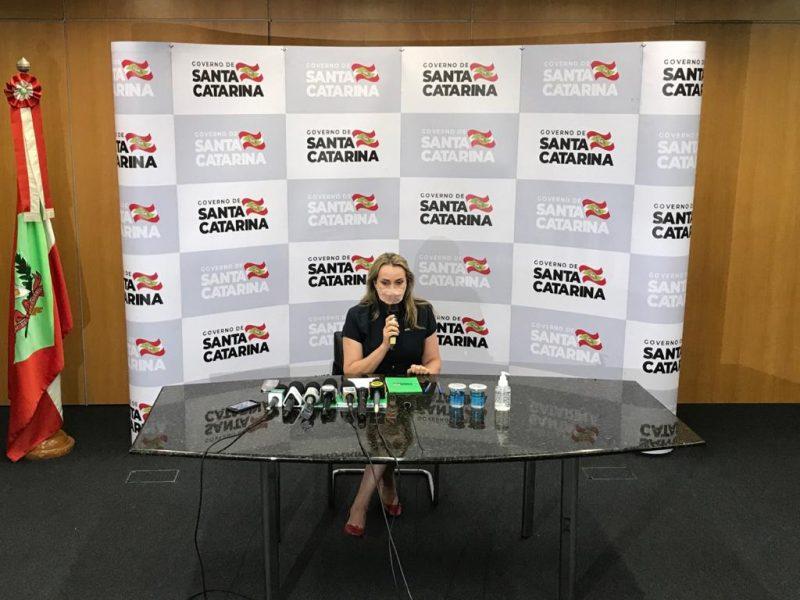 Daniela Reinehr durante entrevista coletiva