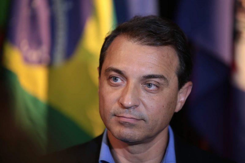 Governador Carlos Moisés de perfil