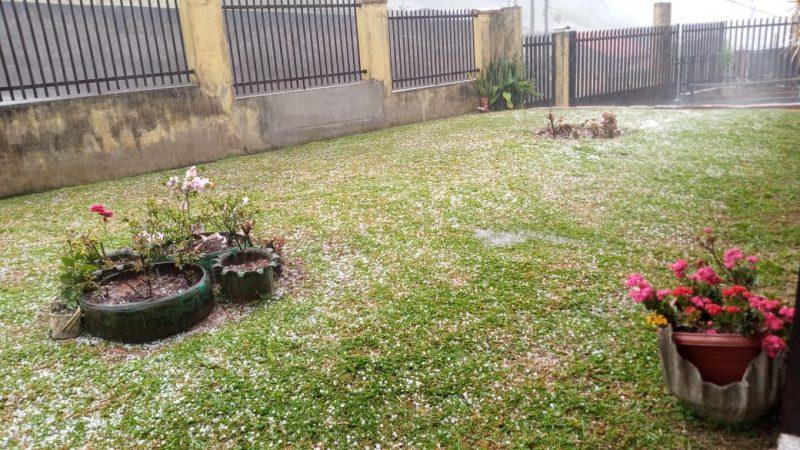 Em Blumenau houve chuva de granizo no fim de tarde desta terça-feira – Foto: Divulgação/ND
