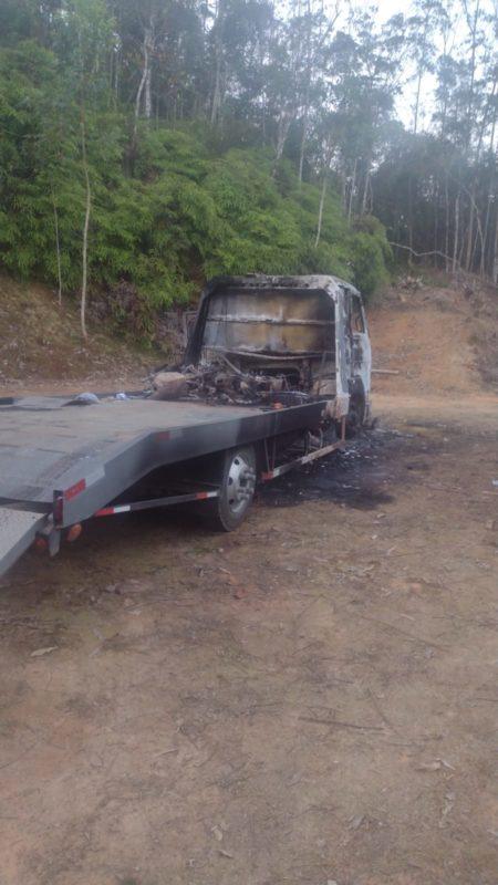 Veículo foi localizado em local deserto – Foto: Divulgação/ND