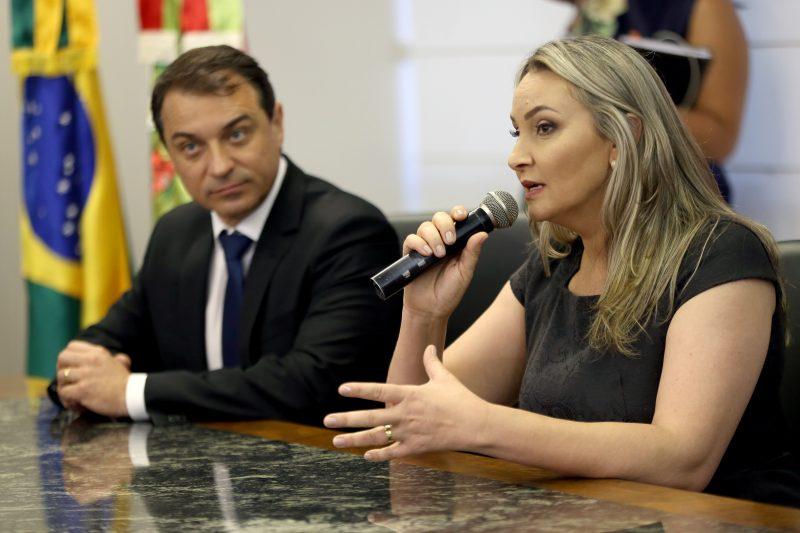 O governador de SC, Carlos Moisés (PSL) e a vice Daniela Reinehr (sem partido) – Foto: Mauricio Vieira/Secom/Divulgação/ND