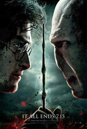 O personagem Lord Voldemort é considerado por muitos fãs do gênero como o mais poderoso bruxo de todos os tempos. Seus objetivos são controlar o mundo mágico e ganhar a imortalidade através da prática das 'artes das trevas'. – Foto: Divulgação