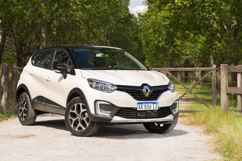 Renault Captur: consumo 1.6 CVT (cidade/estrada): etanol (7,2/8,1) km/l; gasolina (10,5/11,7) km/l – consumo 2.0 AT4 (cidade/estrada): etanol (6,1/7,3) km/l; gasolina (8,9/10,5) km/l - Foto: Divulgação/Renault/Garagem 360/ND