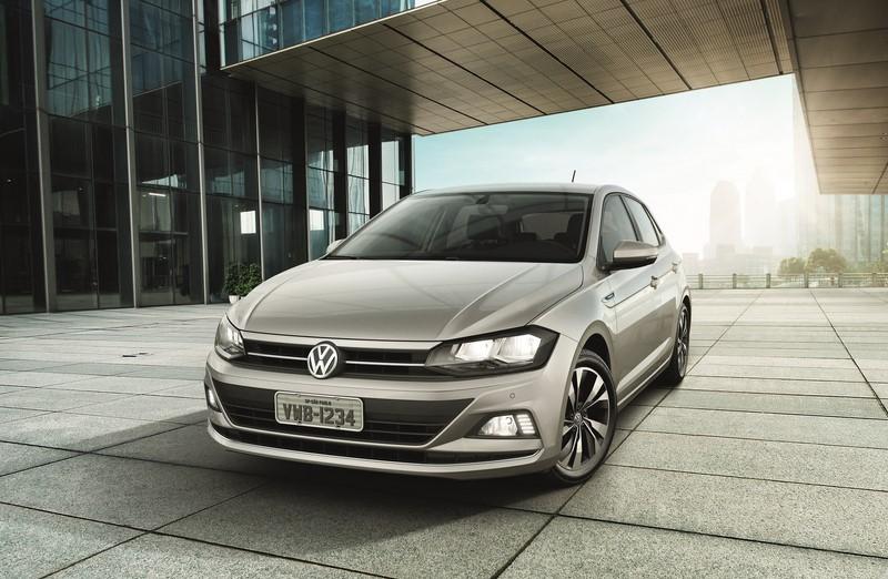 Volkswagen Polo: consumo 1.0 MPI MT5 (cidade/estrada): etanol (8,8/10) km/l; gasolina (12,9/14,3) km/l – consumo 1.6 MPI MT5 (cidade/estrada): etanol (8,2/9,5) km/l; gasolina (12/13,9) km/l – consumo 1.6 MPI AT6 (cidade/estrada): etanol (7,9/9,6) km/l; gasolina (11/13,8) km/l – consumo 1.0 TSI AT6 (cidade/estrada): etanol (7,9/9,5) km/l; gasolina (11,4/13,9) km/l - Foto: Divulgação/VW/Garagem 360/ND