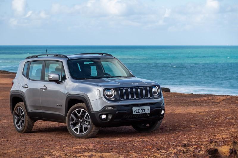 Jeep Renegade: consumo 1.8 AT6 (cidade/estrada): etanol (6,4/8) km/l; gasolina (10,9/11,3) km/l – consumo 2.0 turbodiesel AT9 (cidade/estrada): diesel (10,2/12,9) km/l - Foto: Divulgação/Jeep/Garagem 360/ND