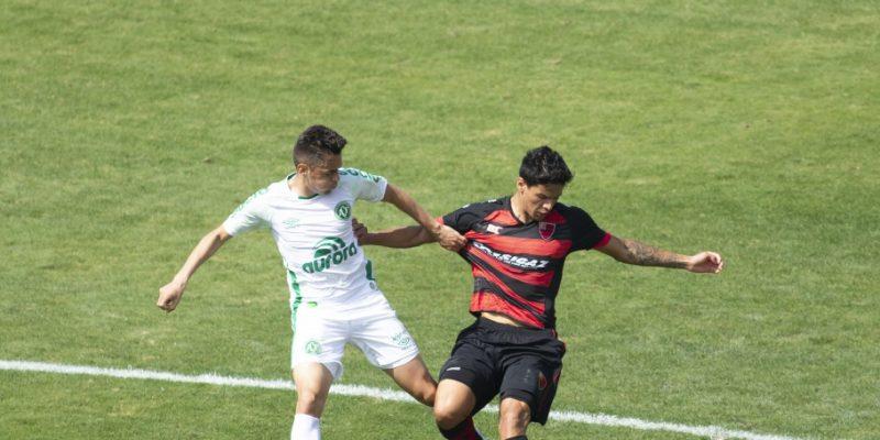 Oeste 0 a 0 Chapecoense, pela Série B 2020. Estreia da Chape contra o posteriormente lanterna Oeste, foi um modorrento empate – Foto: Diogo Reis/AGF/CBF/divulgação