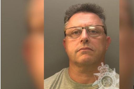 Homem mata pai a facadas por causa da velocidade da banda larga – Foto: Polícia do País de Gales
