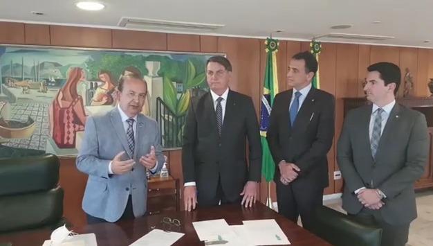 O senador Jorginho Mello (PL) em encontro com o presidente Jair Bolsonaro em Brasília – Foto: Reprodução/Twitter Jorginho Mello
