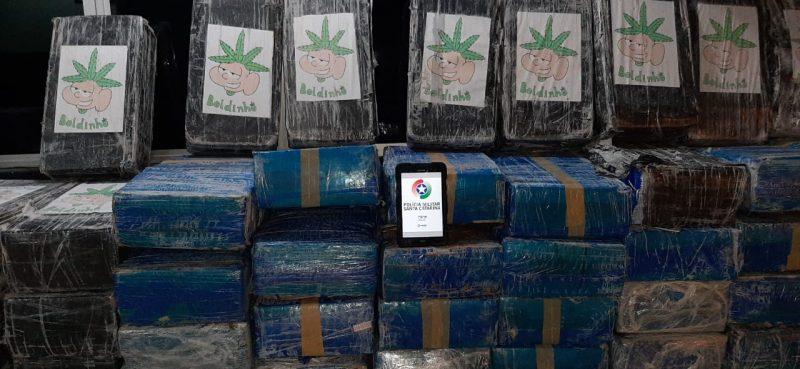 Duas toneladas e 94kg de maconha foram apreendidas. – Foto: Polícia Militar de Itajaí/Divulgação/ND