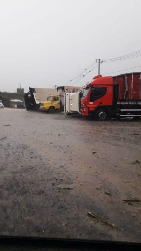 Tornado no Meio-Oeste com chuva de granizo – Foto: Internautas/Divulgação