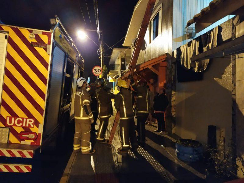 Bombeiros Voluntários de Irani auxiliam famílias em Vargem Bonita – Foto: Bombeiros Voluntários de Irani/Divulgação