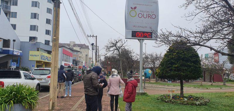 A cidade registrou 0º na manhã desta quinta e fica a expectativa pela neve – Foto: Mycchel Legnaghi / São Joaquim Online/Divulgação ND